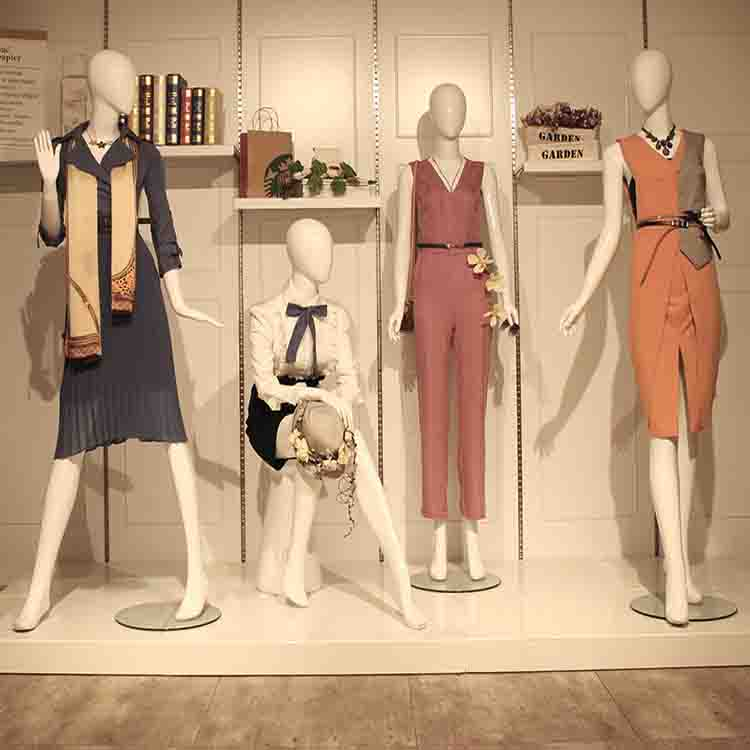 Introduction to Fashion and lifestyle. dressing style in 2020 - Modern fashion and lifestyle