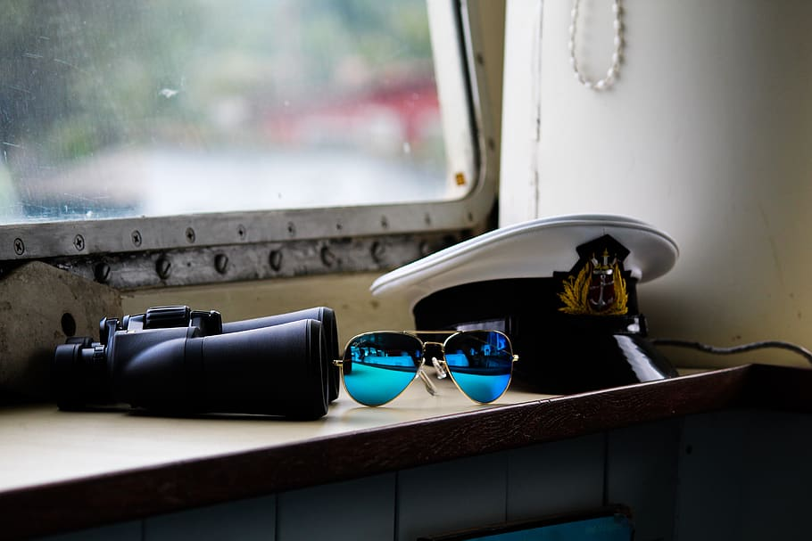 india-navy-officer-cap-binoculars-glass-after-joining-through-INET